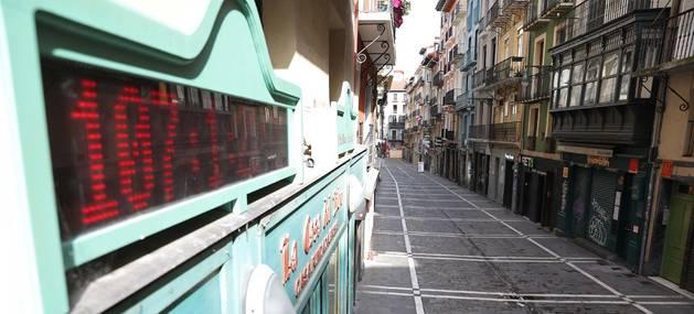 Reloj que marca la cuenta atrás para San Fermín en la Estafeta, el pasado sábado 21 de marzo.