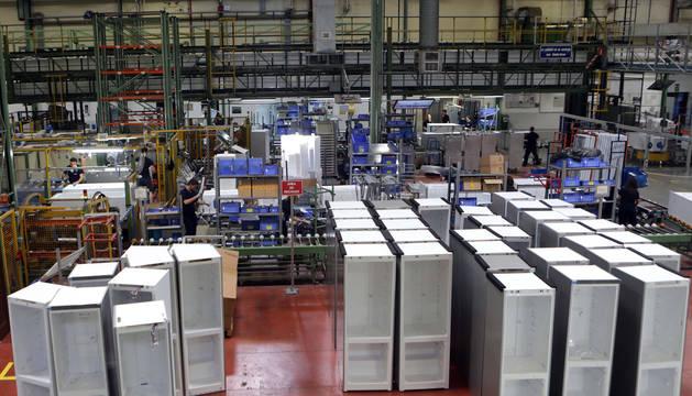 Foto de archivo de frigoríficos de la planta de Esquíroz de BSH.