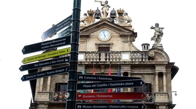 Foto de la fachada del Ayuntamiento de Pamplona
