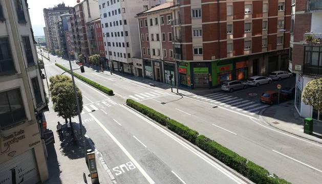 La Avenida de Zaragoza, desierta, sin coches.