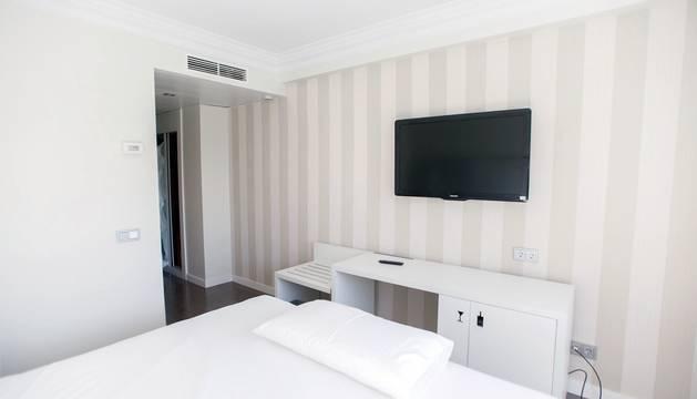 Imágenes de la habilitación del hotel Iruña Park y el sótano de Urgencias del CHN