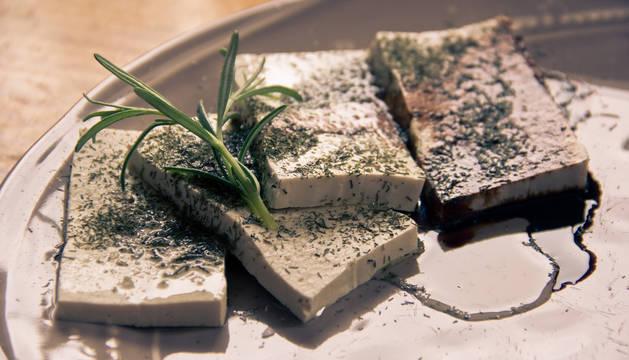 Comer tofu reduce el riesgo de enfermedad cardiaca en las mujeres
