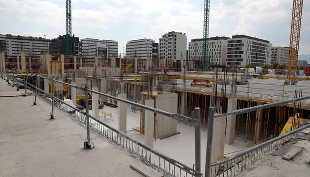 El último Real Decreto ha supuesto paralizar la construcción de cerca de dos millares de viviendas en toda Navarra.