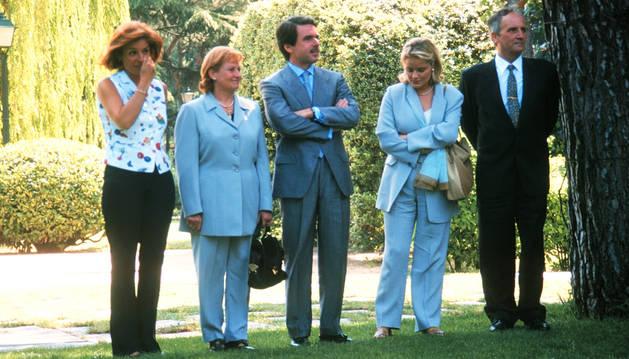 Imagen de archivo del matrimonio Blanco Garrido junto a su hjja y José María Aznar y Ana Botella.