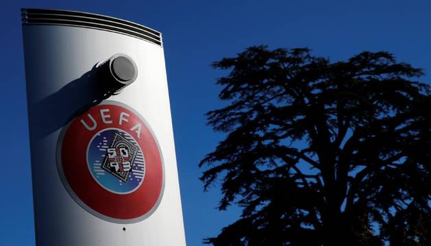 La UEFA mantiene pospuestas la Champions y la Liga Europa y cancela los partidos internacionales de junio