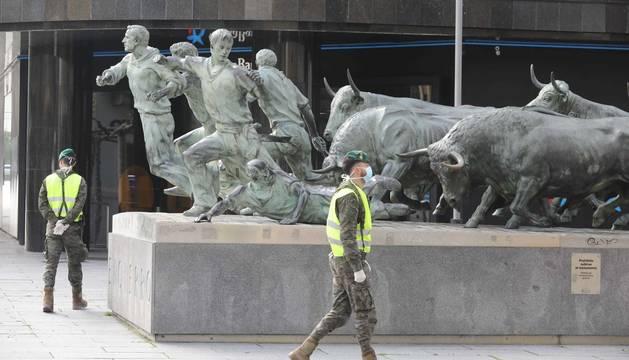 Miembros de las Fuerzas Armadas en Pamplona durante el estado de alarma por coronavirus