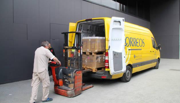 Foto del envío de test rápidos de coronavirus a Navarra por parte del Ministerio de Sanidad.