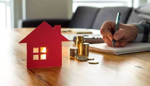 El Gobierno aplaza el pago de las hipotecas a las personas que han visto disminuidos sus ingresos por el Covid-19.