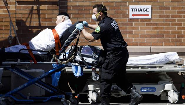Nueva York registra su mayor cifra diaria de muertos por COVID-19