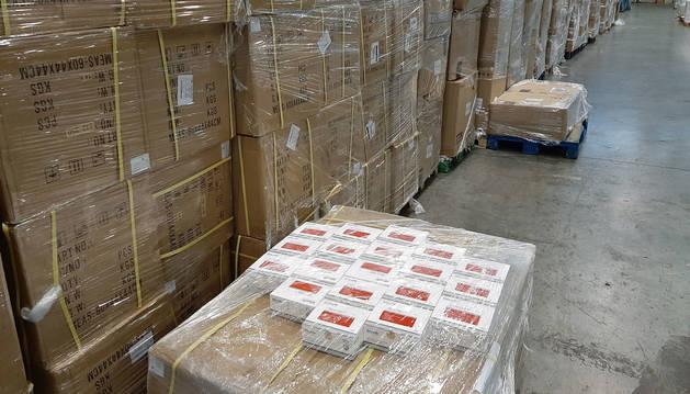 Foto de envío de material sanitario por parte del Gobierno de España durante la pandemia de coronavirus.
