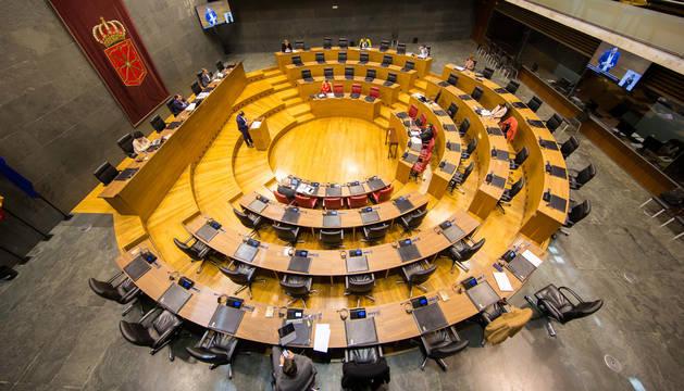 El Parlamento aprueba por unanimidad 51 millones para paliar la crisis del coronavirus