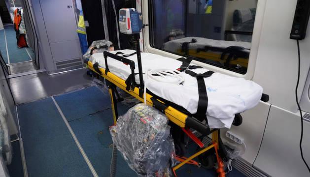 Foto del interior de uno de los trenes de Renfe medicalizados.