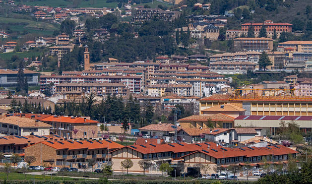 foto de Vista panorámica de la ciudad de Estella.