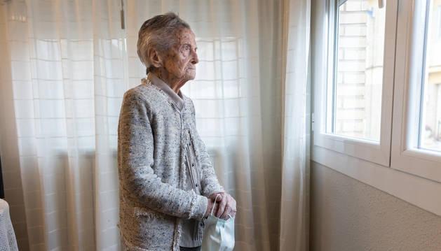 Ángeles Álava, la abuela de Navarra, posó para este periódico el lunes en su casa de Cascante. Nació el 3 de agosto e 1910. Tenía ocho años cuando vivió la gripe española.