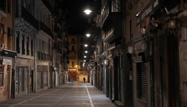 Aspecto de la calle Estafeta de Pamplona durante este confinamiento por coronavirus.