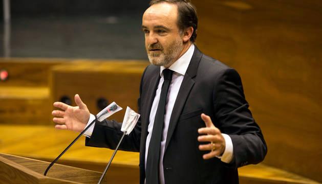José Javier Esparza, en el Parlamento.