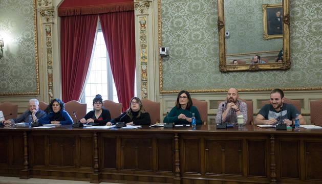 Foto de concejales de I-E en Tudela, en un pleno de febrero de 2020.