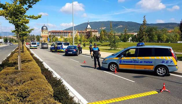 Control de tráfico en Pamplona.