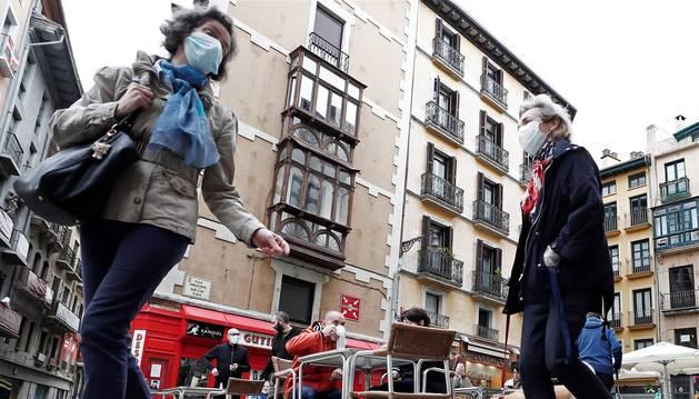 Este lunes, Navarra ha entrado en la fase 1 de la desescalada y numerosos comercios y terrazas de toda la Comunidad foral han reabierto sus puertas.