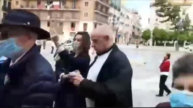 Polémica por la apertura al público de la Basílica de los Desamparados