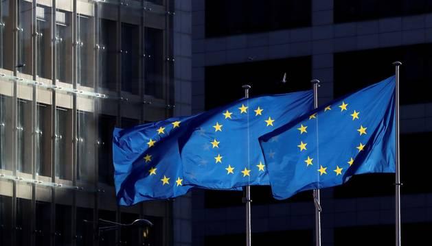 La Comisión Europea recomienda reabrir fronteras y ayudar al turismo