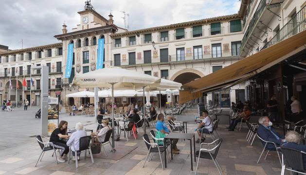 foto de Imagen general de terrazas en la plaza de los Fueros.