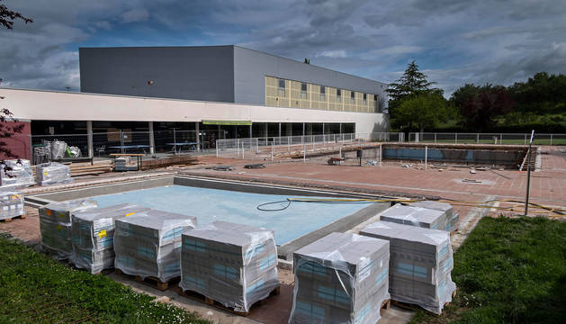 Material para la reforma de las instalaciones de verano de Oteiza, en el complejo de Iturtxipia.