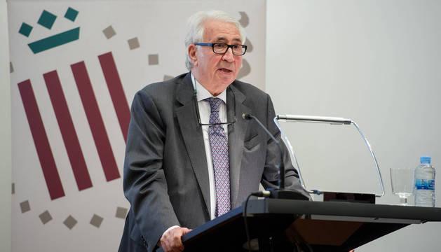 Foto del médico José María Carrera.
