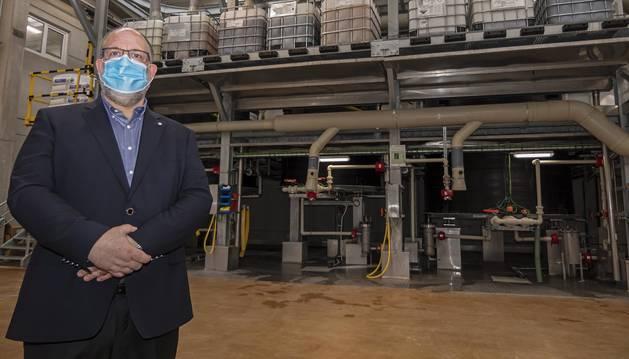 Álvaro Redondo, director general de Kersia en España y Portugal, en la planta de Estella.