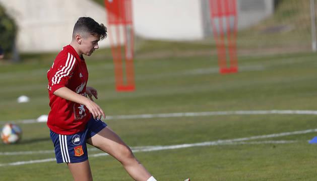 Foto de Raquel Constanza, esta temporada entrenando con la selección española sub 16.