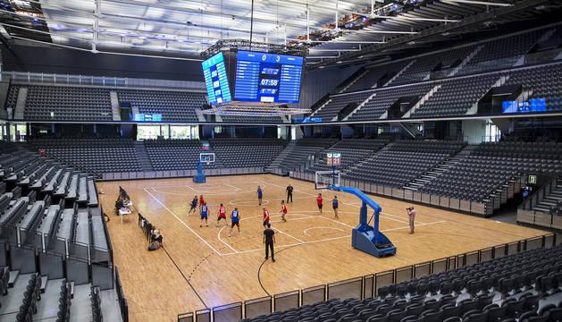 El Navarra Arena se preparó este verano para acoger un amistoso de la selección española.
