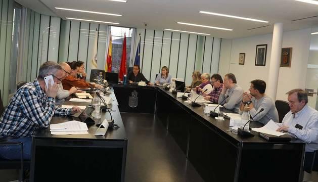 Vista del pleno del Ayuntamiento de Noáin (Valle de Elorz) en una sesión anterior. La de ayer, telemática, se suspendió por problemas técnicos.