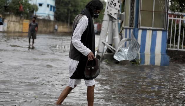 Fotos de los efectos del ciclón 'Amphan' a su paso por India y Bangladesh