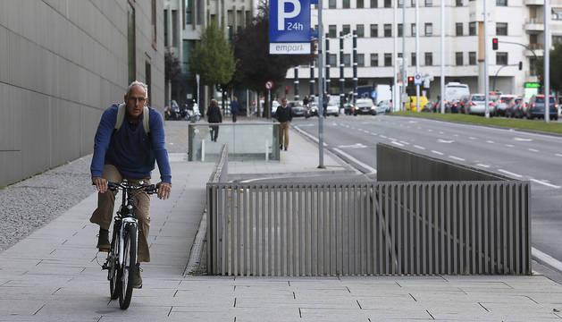 Los ciclistas podrán disponer de uno de los carriles de la avenida del Ejército, que se transformará en carril bici.