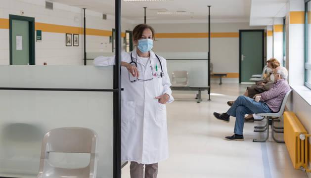 Fotografías de cuatro profesionales sanitarios navarros que se han infectado con el coronavirus y han regresado al trabajo.