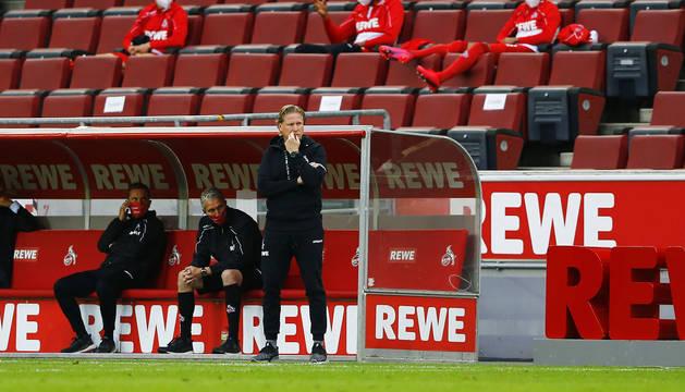 El técnico del Colonia, Markus Gisdol, durante el encuentro contra el Fortuna Dusseldorf disputado en el feudo de su equipo.