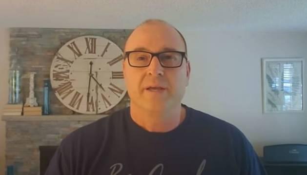 Rob Kenney, el 'youtuber' que te enseña a ser un adulto funcional