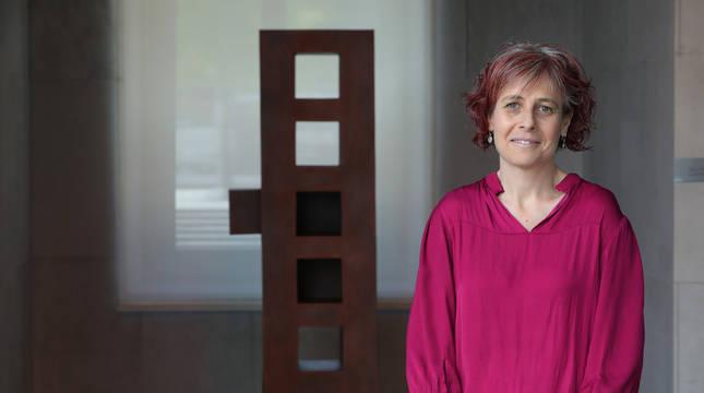 Rebeca Esnaola, en un momento de la entrevista de este jueves en el Parlamento de Navarra.