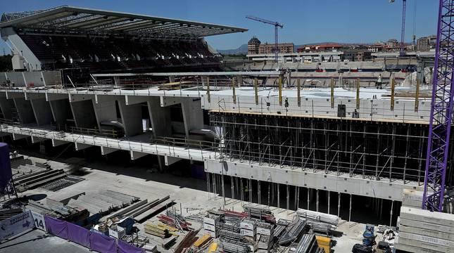 La nueva grada alta en Gol, Sur y Lateral comenzará a instalarse en junio