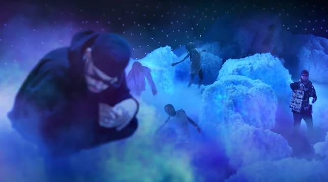 Foto de Bad Bunny y Anuel AA en el vídeo de la canción 'Hasta que Dios diga'