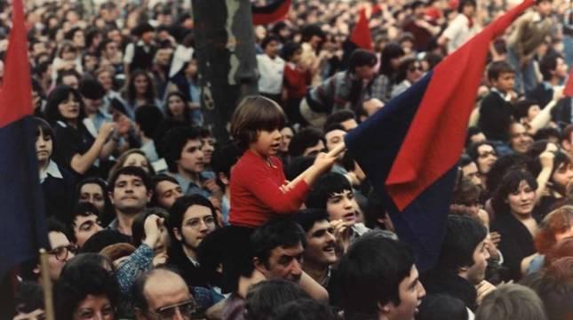 Miles de personas recibieron a Osasuna aquel 2 de junio de 1980 en la Plaza del Castillo.