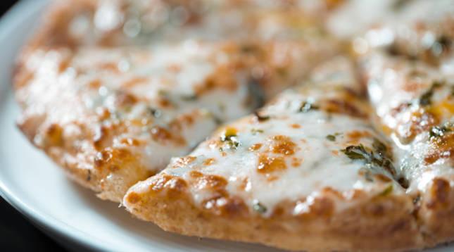 Esta es la mejor forma de recalentar la pizza