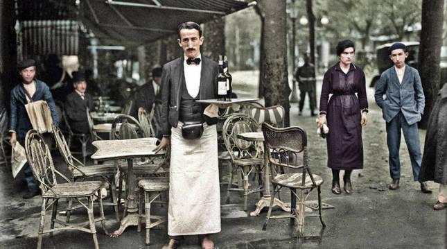 Terraza del Café del Rhin, San Sebastián, 1920. GureGipuzkoa (fondo Foto Car) CC BY-SA