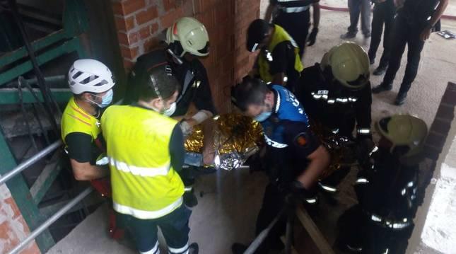 Bomberos, Grupo de Rescate Terrestre y Policía Municipal, en el lugar del suceso.