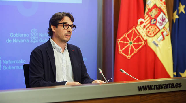 Carlos Amatrian, director gerente del INJ, durante la publicación de los datos de la encuesta.