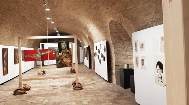 Vista general de la muestra del artista Imanol Bengoetxea en la Ciudadela de Pamplona.