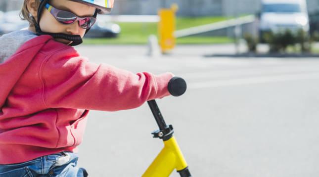 Claves para enseñar a un niño a montar en bici