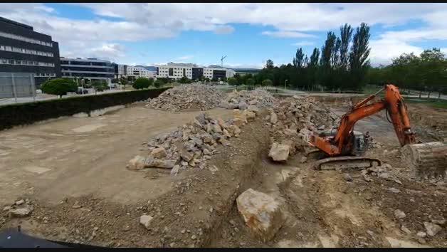 Vídeo de obras que molestan a un matrimonio en Zizur Mayor