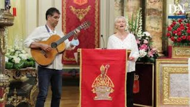 Vídeo: Jota a San Fermín en la sexta misa de la escalera
