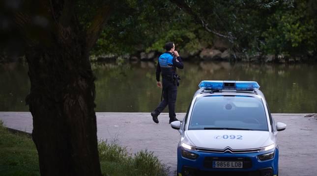 Dispositivo policial en el parque del Arga.